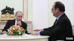 Володимир Путін і Франсуа Олланд під час переговорів у Москві 6 лютого 2015 року