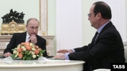 Russian president Vladimir Putin (left) and his French counterpart Francois Hollande during a meeting in Moscow earlier this year.