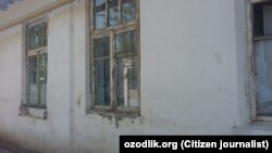 Здание центральной больницы Папского района Наманганской области Узбекистана.