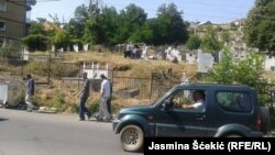 Poseta groblju u severnoj Mitrovici na Ramazanski bajram