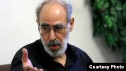 ابوالفضل قدیانی میگوید خامنهای با لجاجت و کینهتوزی، مهمترین مانع رفع حصر است.