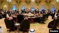 إجتماع لقادة خليجيين في الكويت