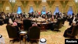 الجلسة الافتتاحية لقمة مجلس التعاون الخليجي الرابعة والثلاثين في الكويت