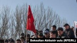 Митинг в поддержку политика Омурбека Текебаева в Бишкеке. 27 февраля 2017 года.