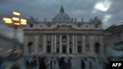 Վատիկան - Սուրբ Պետրոսի տաճարը Պապի ընտրության նախօրեին, 11-ը մարտի, 2011թ.