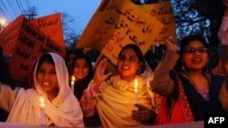 په پاکستان کې ښځې تل له خپلو حقونو د محرومېدو شکایت کوي.