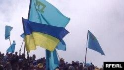 Krım tatarları deportasiya qurbanlarını anmaq üçün Çatırdağa çıxırlar - 11 may 2014