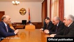 Գագիկ Խաչատրյանը Բակո Սահակյանի հետ հանդիպման ժամանակ, 23-ը դեկտեմբերի, 2015թ