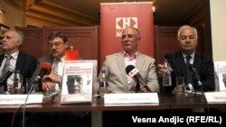 Veselin Šljivančanin na promociji haškog dnevnika u Beogradu, april 2012.