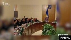 Тодішній уряд на чолі з прем'єр-міністеркою Юлією Тимошенко доручив виготовити кількасот апаратів ШВЛ для хворих