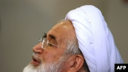 Mehdi Karrubi speaks during a press conference in Tehran on October 12.