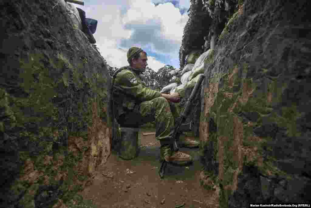 Пильність на спостережних постах – запорука збереження особового складу. Військовий Едуард приїхав на бойову ротацію вперше