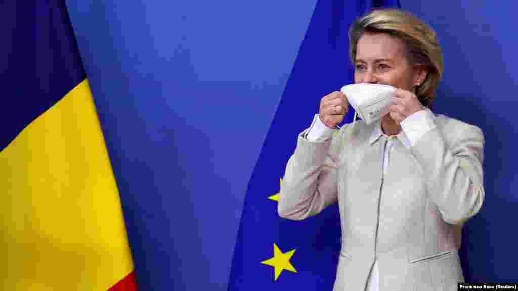 ЕУ - Претседателката на Европската Комисија (ЕК), Урсула фон дер Лајен, денеска информираше дека Фајзер и Бионтек ќе достават дополнителни четири милиони дози од нивната вакцина во Европската Унија (ЕУ) во следните две недели за да се борат против ширењето на мутирани варијанти на коронавирус.
