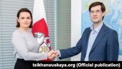 Сьвятлана Ціханоўская і Сяргей Зікрацкі