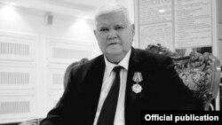 Убайдулла Уватов 1940 йил 23 февралда Қашқадарё вилояти Ғузор туманида туғилган.