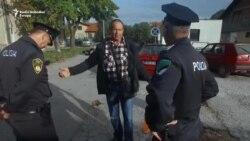 Policija spriječila radnike da se vežu lancima