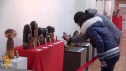 أخبار مصوّرة 21/02/2014: من الوضع في العاصمة الأوكرانية كييف إلى معرض الدمى اليابانية التقليدية في قرغيزستان