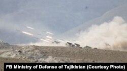 تمرینات نظامی نیروهای تاجیکی وروسی در ولایت ختلان تاجیکستان در مرز بدخشان