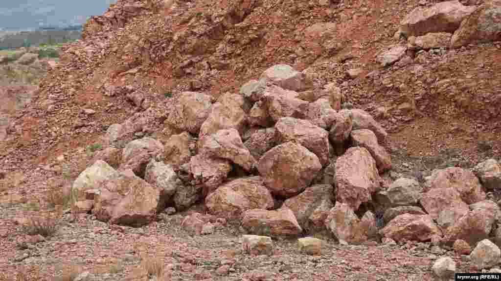 У відвалах багато цілком товарного каменю