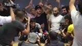 Protestatarii iau cu asalt conferința de presă a fostului președinte armean