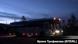 Послушницы женского монастыря приехали и уехали на автобусе