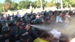 Müstəqillik günü Moldovada polislə aksiyaçılar toqquşdu