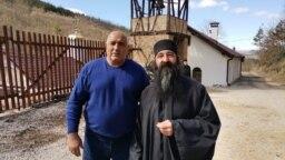 В неделя премиерът Бойко Борисов обиколи няколко манастира, на които държавата е отпуснала пари за ремонти.