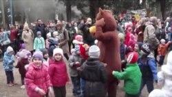 У Ялті для дітей організували масницю з безкоштовними млинцями