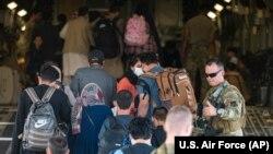 Ооганстан. АКШнын аскер аба күчтөрүнүн эвакуация операциясы. 24-август, 2021-жыл.
