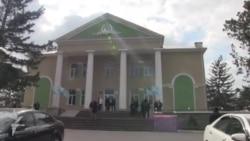 У Бахчисараї відкрилася позачергова сесія Курултаю кримськотатарського народу