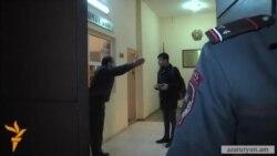 Բաղրամյան 26-ից բերման ենթարկվածների փաստաբանները պնդում են՝ իրենց խոչընդոտել են