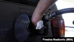 Бензин (иллюстративное фото)
