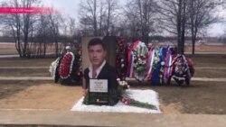 """Бухаев: """"Памятник - из камня парапета того моста, где был убит Немцов"""""""