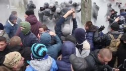 В Одесі протест проти забудови переріс у сутички з поліцейськими (відео)