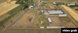 Мэриядагы коррупциялык ишке шектелген Мирлан Амантуровдун Сокулуктун Кара-Сакал айылындагы кашары.