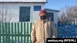 Зауреш Жолдасбаева — истопница в школе. Село Радовка, Акмолинская область, 30 ноября 2020 года.