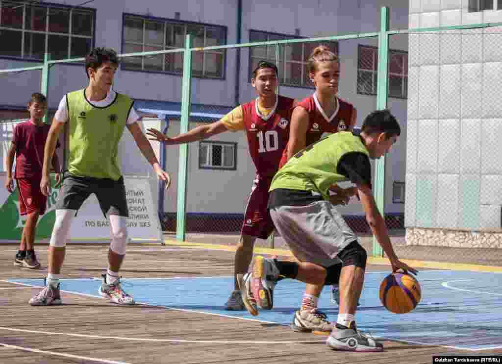 Баскетболдун аталган түрү боюнча мелдештер Кыргызстанда 2014-жылдан бери өткөрүлүп келет.