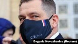 «Вони повинні нам пояснити, що це означатиме на практиці», – каже посол Чехії в Росії Вітєзслав Півонька