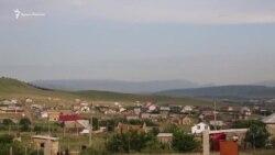 «В радости и горести помогать»: крымские татары строят дом для семьи арестованного Абдурахманова (видео)