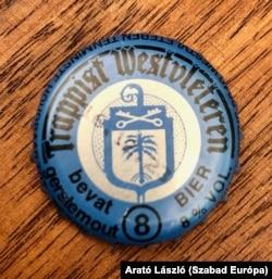 A söröket a kupakjuk alapján lehet megkülönböztetni egymástól, címkéjük ugyanis nincs