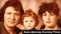 Айяр, Эмине и Ильмира Джапаровы