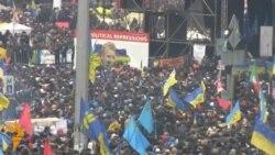 Тисячі мітингувальників прийшли на чергове Народне віче