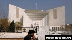 نبيل هغه کم عمره پاکستانی وو چې د مذهب سپکاوي په تور سزا شوی وو. عکس د پاکستان سپريم کورټ