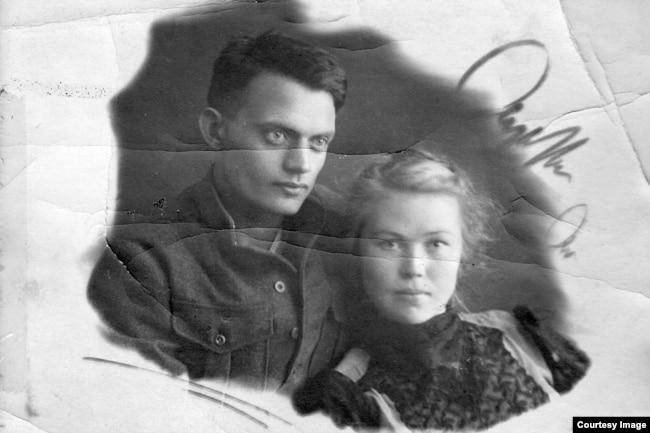 1943 год, Минусинск, Алексей Черкасов с супругой