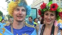 Ukrayna və İsveç azarkeşləri oyundan əvvəl