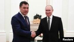 Садыр Жапаров и Владимир Путин.