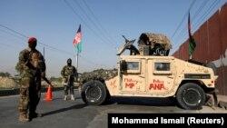 Աֆղանստան - Ազգային բանակի զինծառայողները մայրաքաղաք Քաբուլի հսկիչ անցակետերից մեկում, 8-ը հուլիսի, 2021թ.