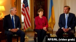 Grab: Ukraine/U.S. -- U.S. senators visit Ukraine, Kyiv, 02Jun2021
