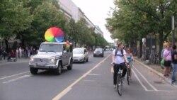 Акция в Берлине в поддержку геев в России