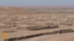 سربازان ایرانی افغانها را به جرم استفاده از آب دریای هریرود به قتل می رسانند